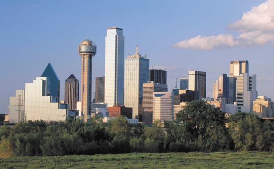 http://www.dallassmartguiderch.com/wp-content/uploads/2011/05/Dallas+Skyline1.jpg